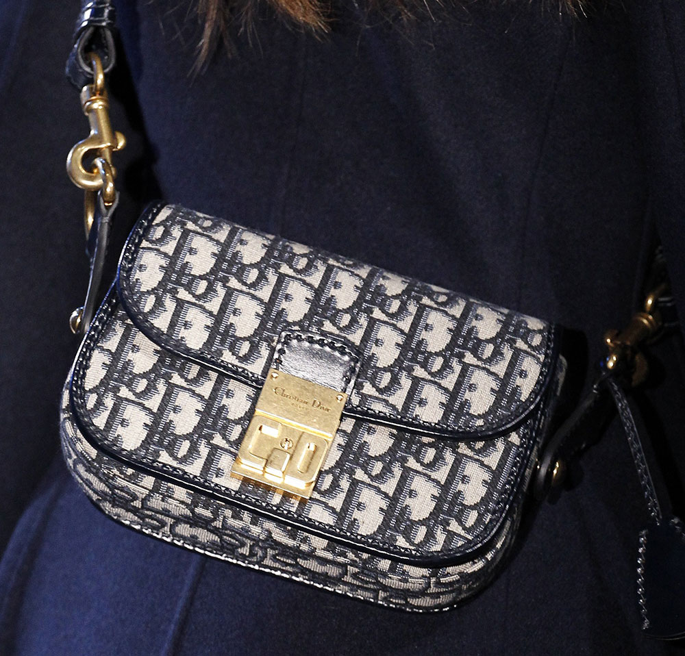042a041ae1f3 Trusted Dior s Fall 2017 Runway Bags Were All Black or Navy Blue ...