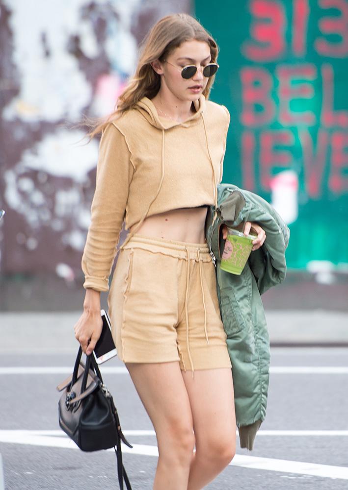 Gigi-Hadid-Versace-Palazzo-Empire-Mini-Bag